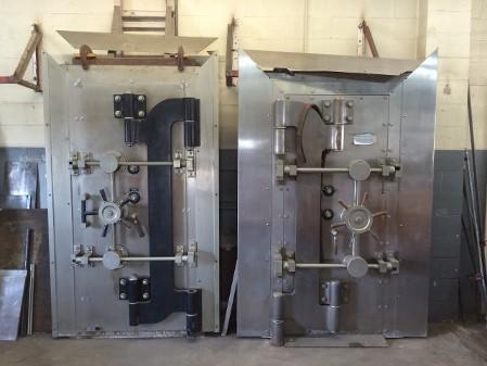 Herring Hall Marvin Vault Door ... - Orange County Gun Safe Movers - Safe & Vault Mover - Heavy Moving